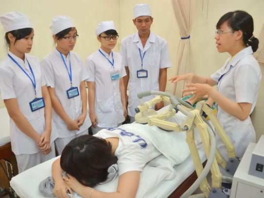 Sinh viên trường y và những khó khăn không phải ai cũng biết