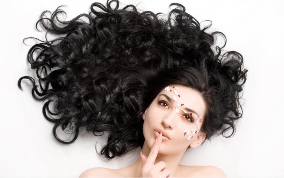 Bật mí cách chăm sóc tóc đơn giản mà hiệu quả các bạn gái cần biết