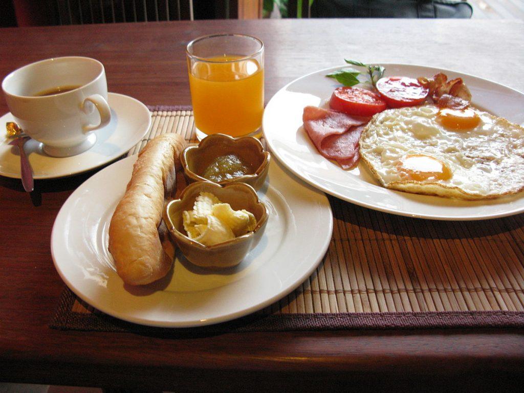 kinh nghiệm mở quán cà phê ăn sáng