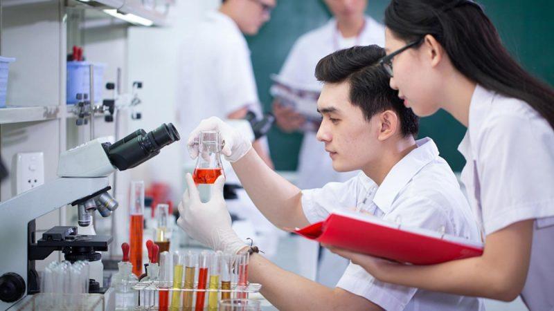 Ngành Kỹ thuật Xét nghiệm y học điểm chuẩn 2021 bao nhiêu?